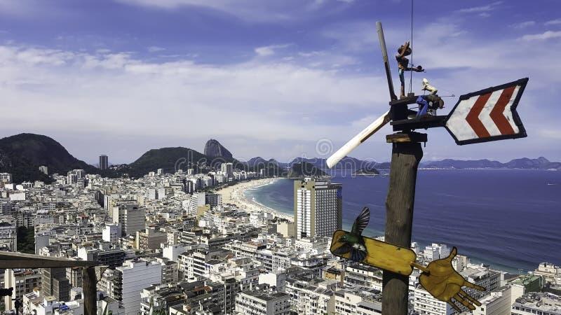 Sikten av Copacabana i Rio de Janeiro från Mirante gör Pavao royaltyfri foto
