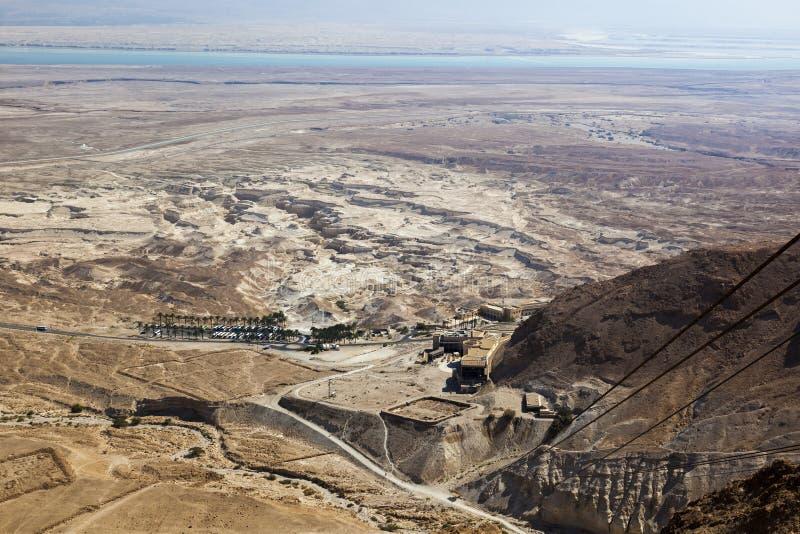Sikten av den Judaean öknen och ser absolut från Masada israel royaltyfria foton