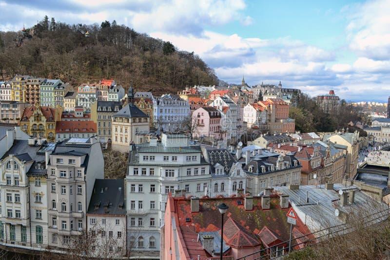 Sikten av staden Karlovy varierar arkivfoton