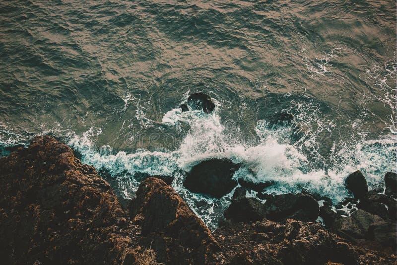 Sikten för fågelöga upptill av havet royaltyfri foto