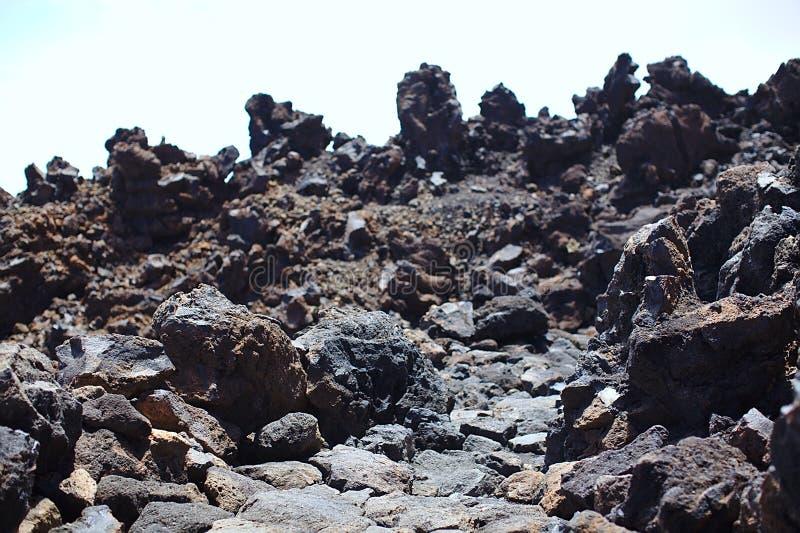 Sikten från klippan under stigningen till ett högt berg, Europa, Asien, Amerika, djupfryst lava, vaggar, geologi fotografering för bildbyråer