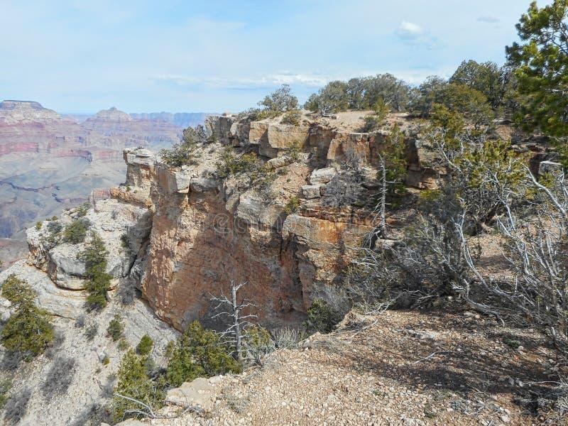 sikten till vaggar i Grandet Canyon arkivfoton