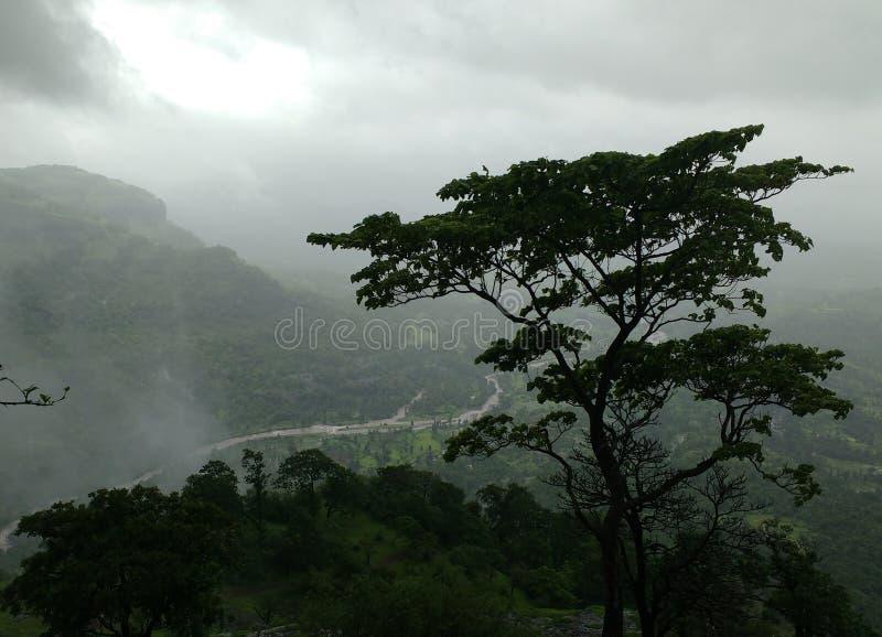Sikten uppifrån av det Sudhagad fortet arkivfoton