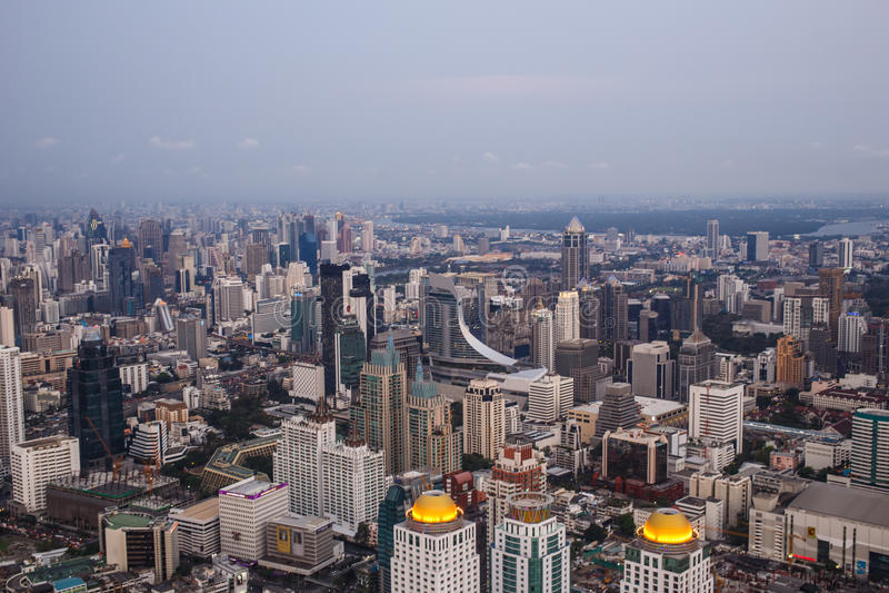 Sikter av Bangkok i Baiyoke himmelhotell royaltyfria foton
