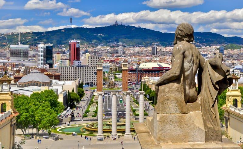 Sikter av Barcelona från den nationella slotten arkivbild