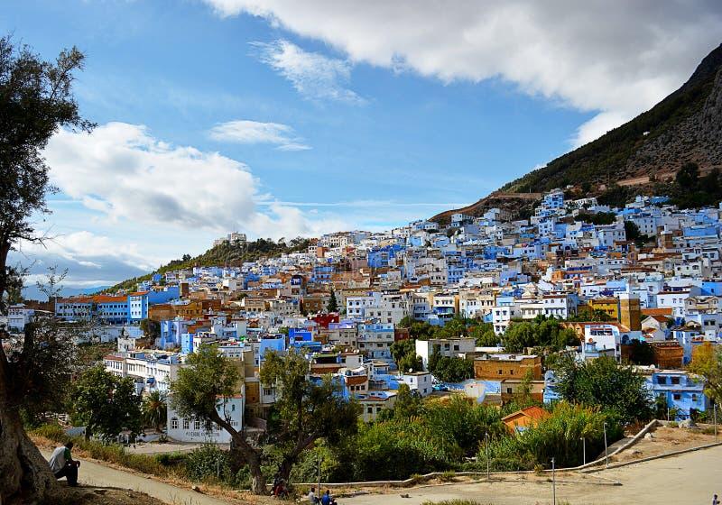 Sikter av Chefchaouen, blå stad av Marocko royaltyfri foto