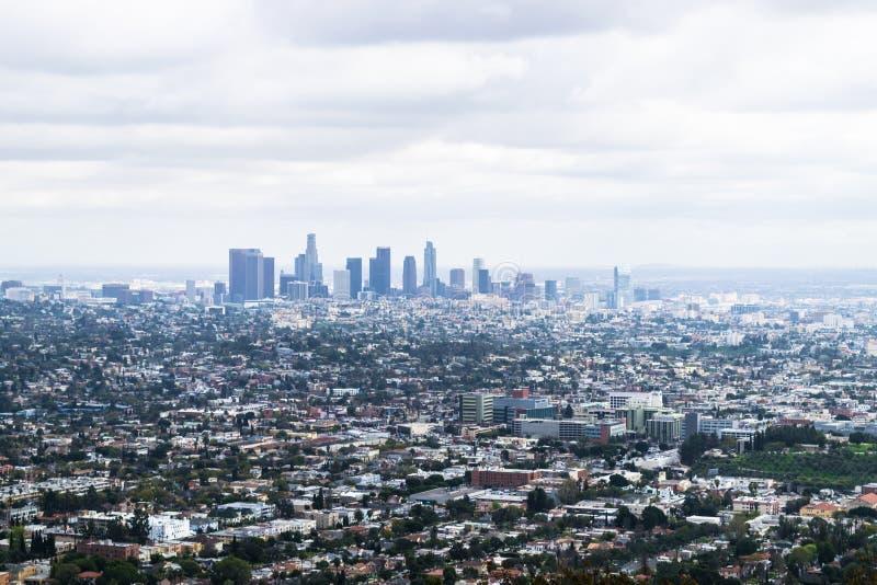Sikter från Griffith Observatory över Los Angeles, USA arkivbild