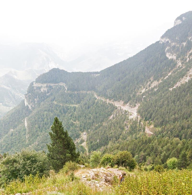 Sikter från massiven för El Pedraforca, t är ett av de mest symboliska bergen av Catalonia, Spanien fotografering för bildbyråer