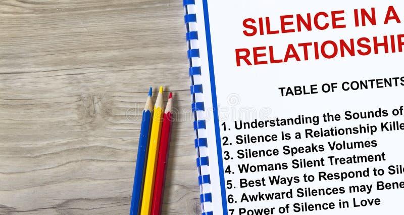 Silêncio em um conceito do relacionamento fotos de stock royalty free