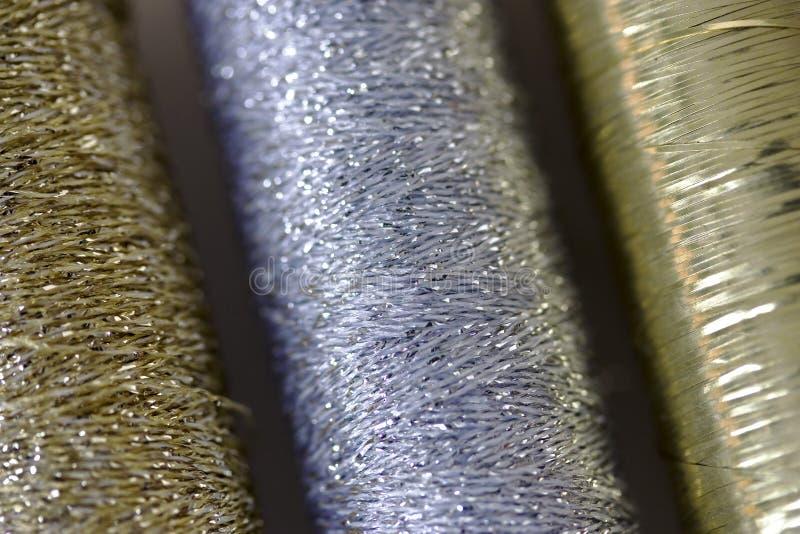 Silber- und Goldgewinde stockbilder