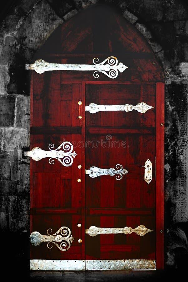 Silberne gotische Tür lizenzfreies stockbild