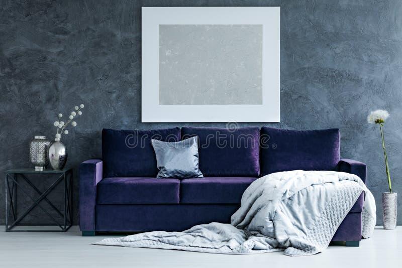 Download Silberne Malerei Im Wohnzimmer Stockfoto   Bild Von Wohnung, Wand:  116272662