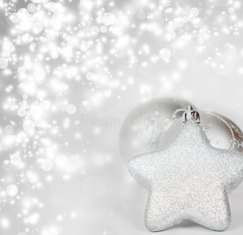 Download Silberne Weihnachtsdekoration Stockfoto - Bild von leuchte, jahreszeit: 47100016
