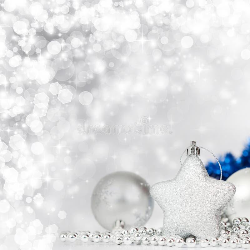 Download Silberne Weihnachtsdekoration Stockbild - Bild von verzierung, weihnachten: 47100023