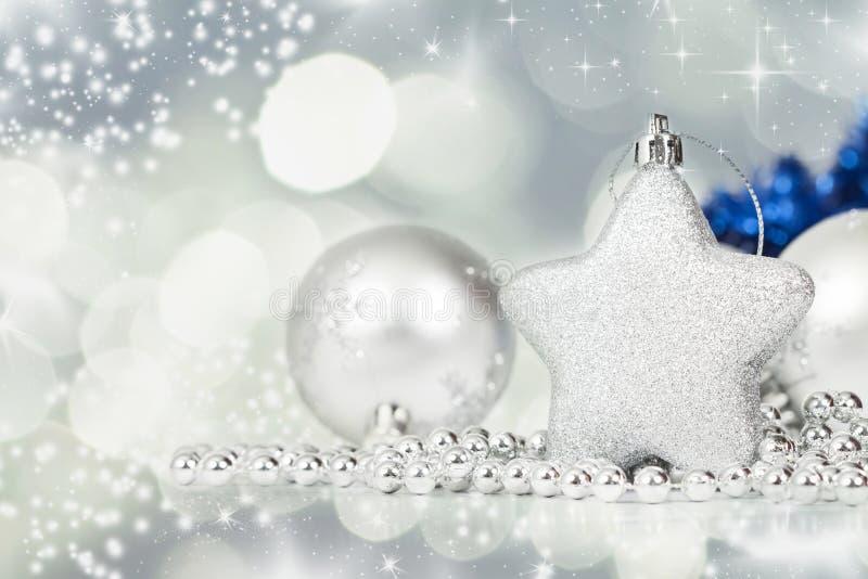 Download Silberne Weihnachtsdekoration Stockbild - Bild von auslegung, nahaufnahme: 47100123