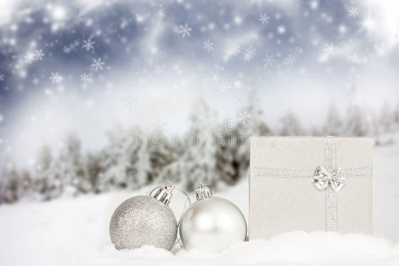 Download Silberne Weihnachtsdekoration Stockbild - Bild von dekorativ, magie: 47100275