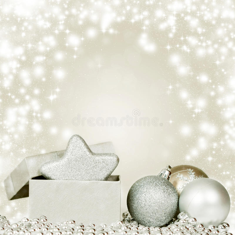 Download Silberne Weihnachtsdekoration Stockfoto - Bild von flitter, reflexion: 47100306