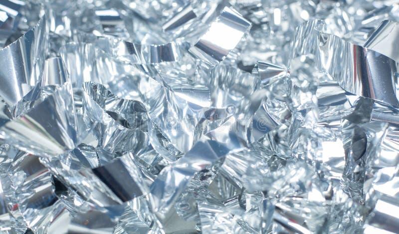 Silberner glänzender metallischer Folienhintergrund für das Feiertagsverpacken lizenzfreie stockfotografie