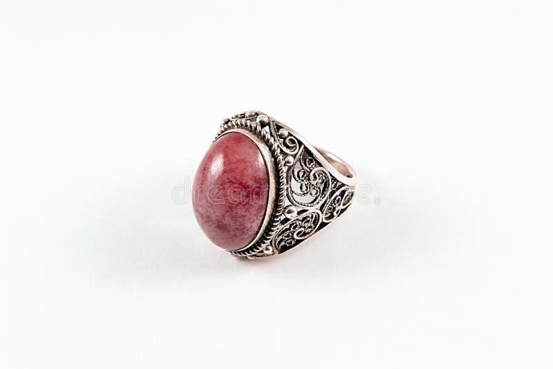 Silberner roter Achat-Ring stockbild