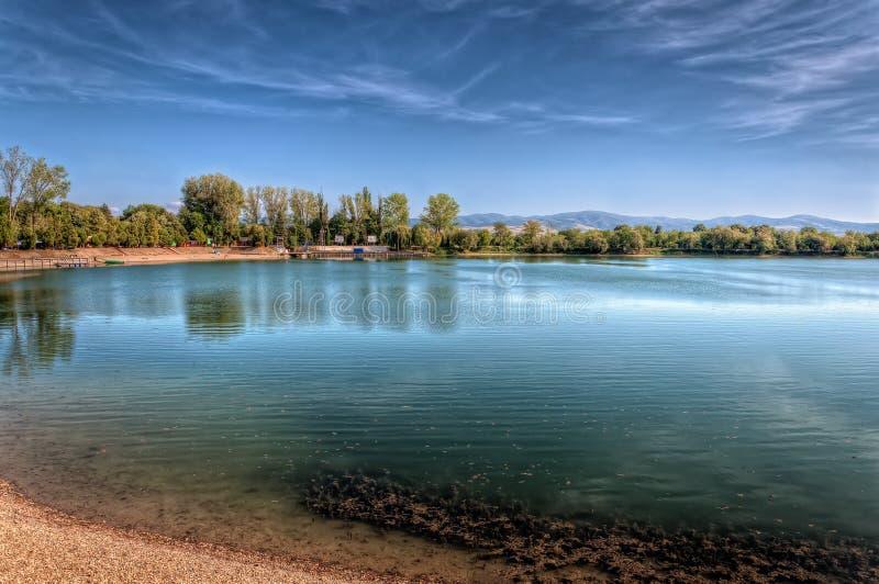 Silberner See stockfotografie