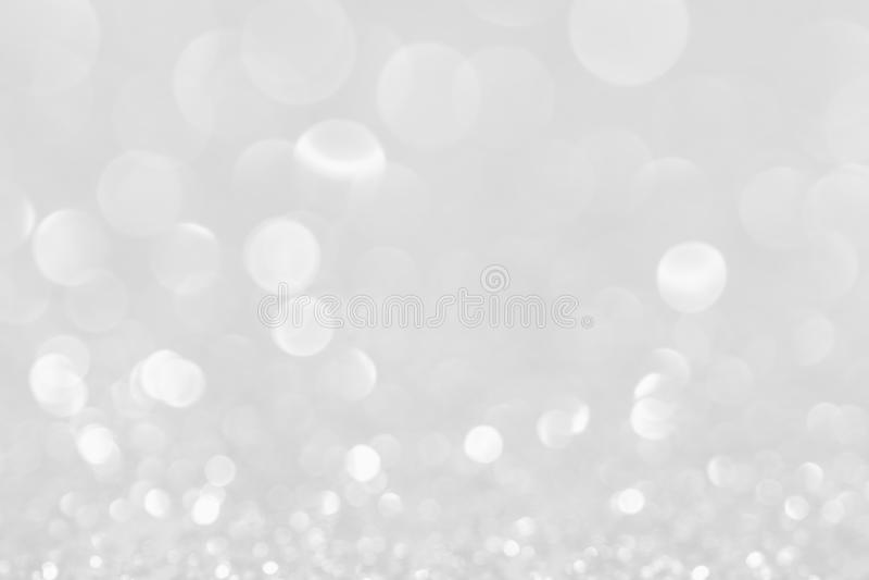 Silberwei?-funkelnde Weihnachtslichter Unscharfer abstrakter Hintergrund stockfotografie