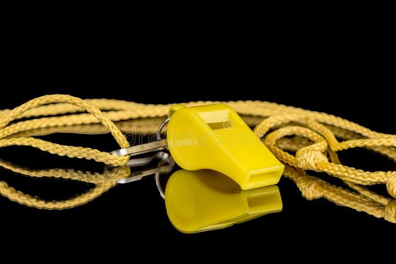 Silbido amarillo de los coches en una secuencia imágenes de archivo libres de regalías