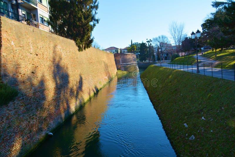 Silerivier in de stad van Treviso stock foto