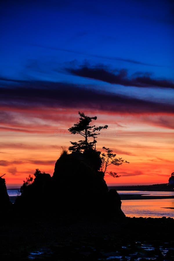 Siletz-Bucht-Sonnenuntergang in Oregon stockfotos