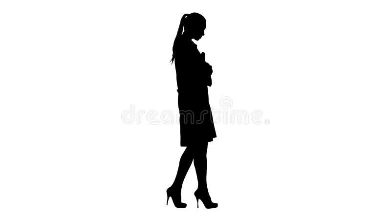 Silhouet Gelukkige het glimlachen vrouwelijke arts het lopen holdingsnotitieboekjes of documenten royalty-vrije illustratie
