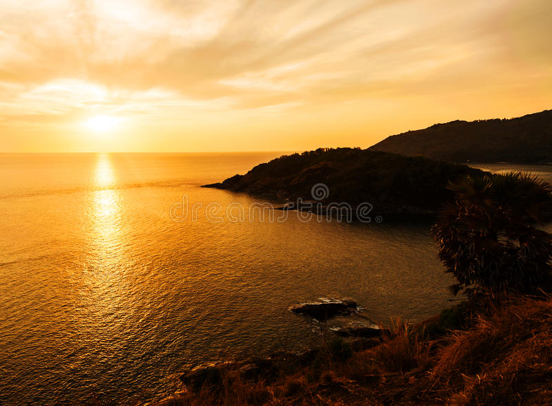 Silhouet, met kleur van de zonsondergang royalty-vrije stock foto's
