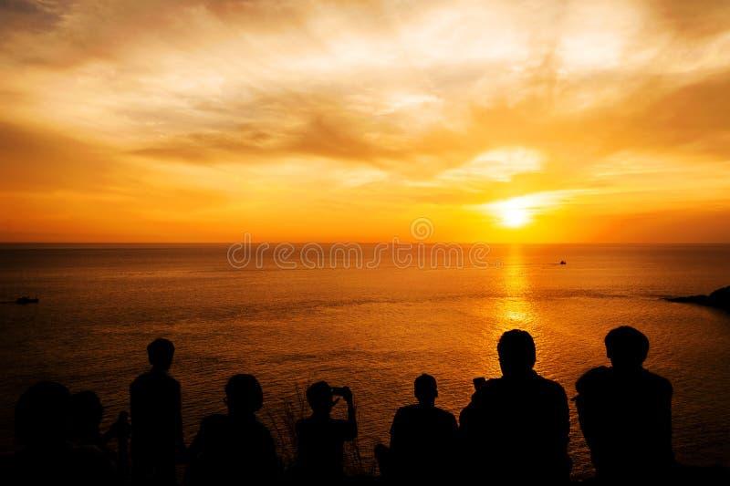 Silhouet, met kleur van de zonsondergang stock fotografie
