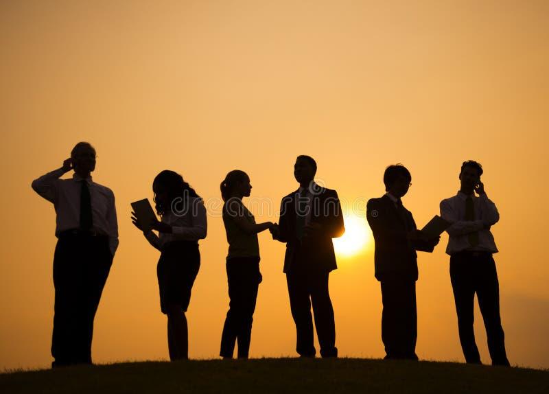 Silhouet van Bedrijfsmensen in openlucht stock fotografie