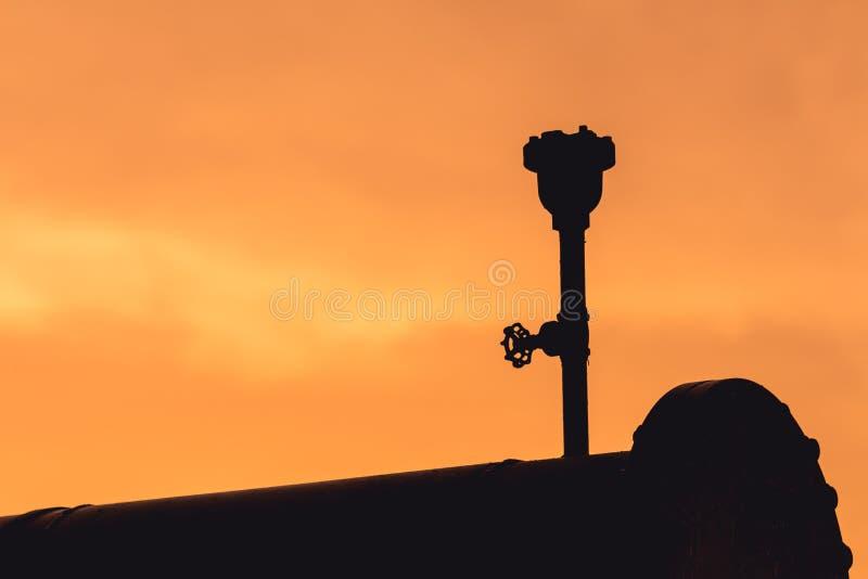Silhouet van de klep van de luchtversie royalty-vrije stock afbeelding