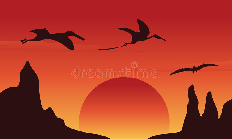 Silhouet van dinosauruspterodactylus bij zonsonderganglandschap stock illustratie