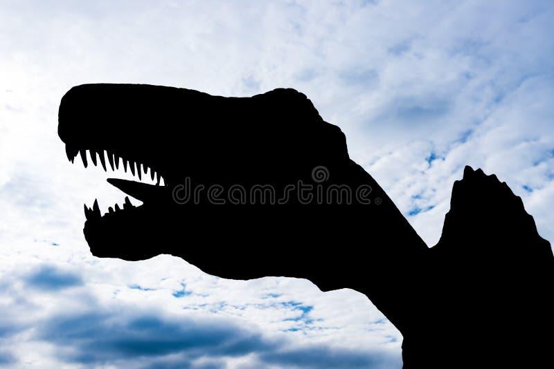 Download Silhouet Van Een Reuzegrootte Spinosaurus Stock Foto - Afbeelding bestaande uit kracht, roofdier: 107706324
