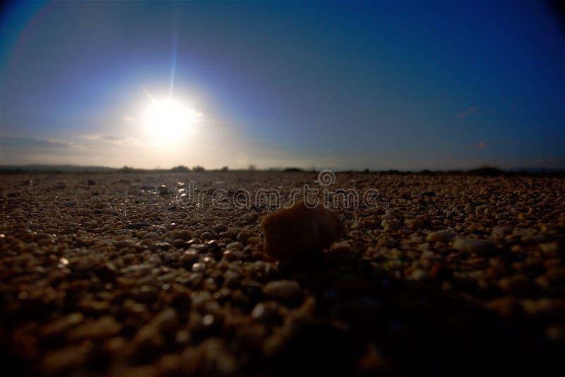 Silhouet van een rots in de woestijn royalty-vrije stock fotografie