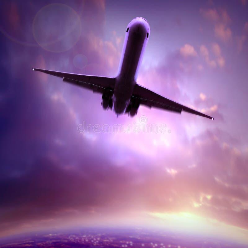 Silhouet van een vliegtuig stock foto's