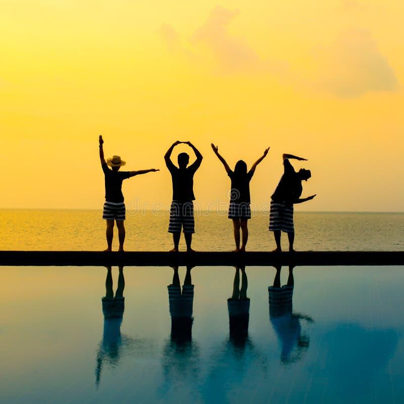 Silhouet van liefde door de actie van het vier mensenlichaam royalty-vrije stock afbeelding