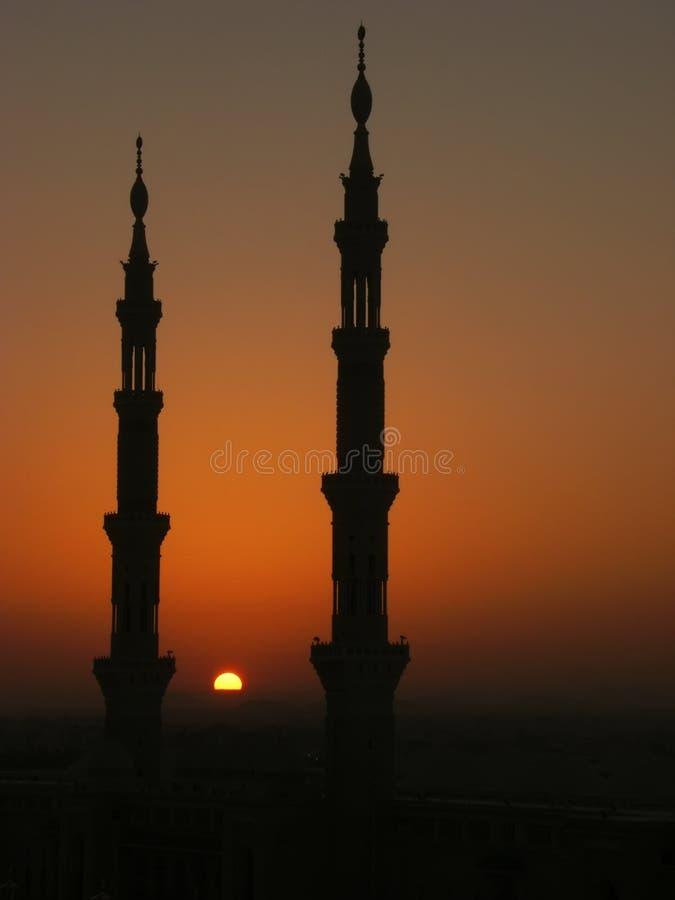 Silhouet van minaretten van moskee Nabawi royalty-vrije stock foto's