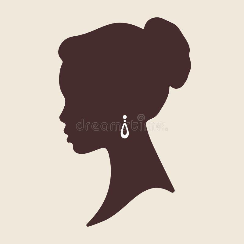 Silhouet van mooie elegante Afrikaanse vrouw in profiel geïsoleerde vectorillustratie Schoonheidssalon of het embleemontwerp van  stock illustratie