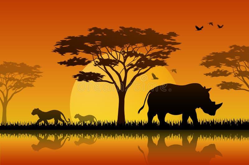 Silhouet van rinoceros bij meer in savanah royalty-vrije illustratie