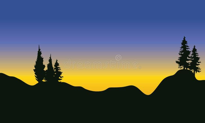 Silhouet van sparren op de berg stock illustratie