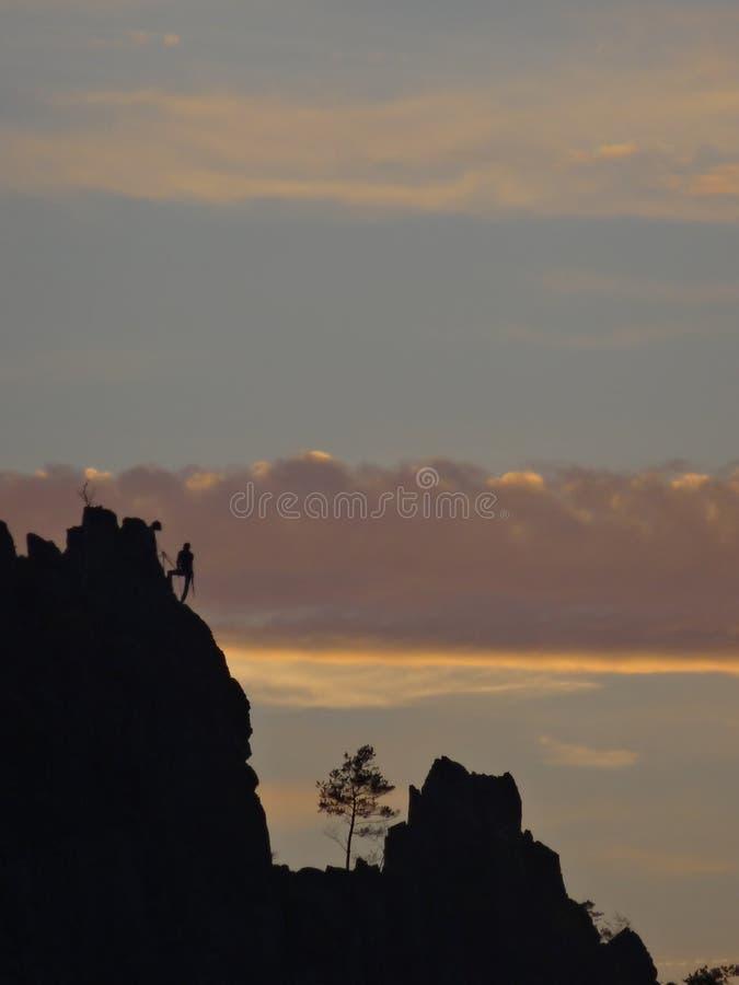 Silhouet van Suche skaly stock afbeelding