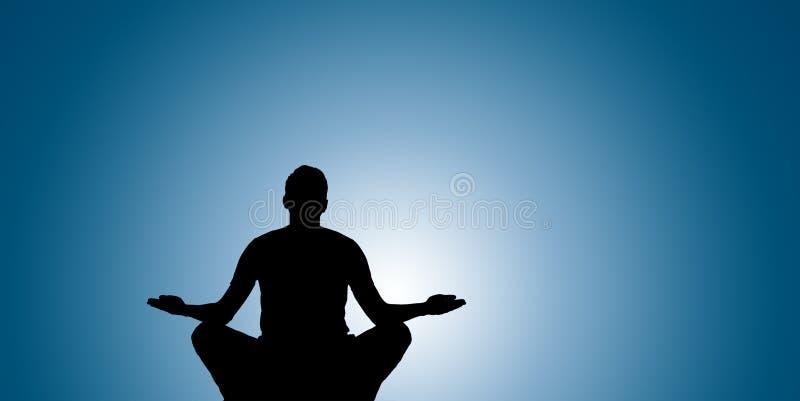 Silhouet van Yoga bij top stock foto's