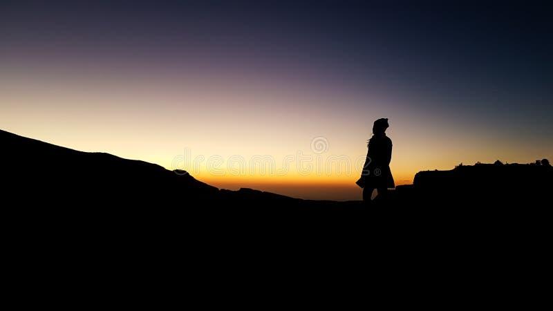 Silhouetbeeld dat het karakter van onze mensen en toont stock fotografie