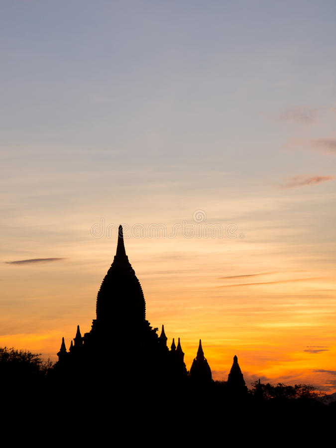 Silhouetpagode in de oude stad van Bagan royalty-vrije stock foto's