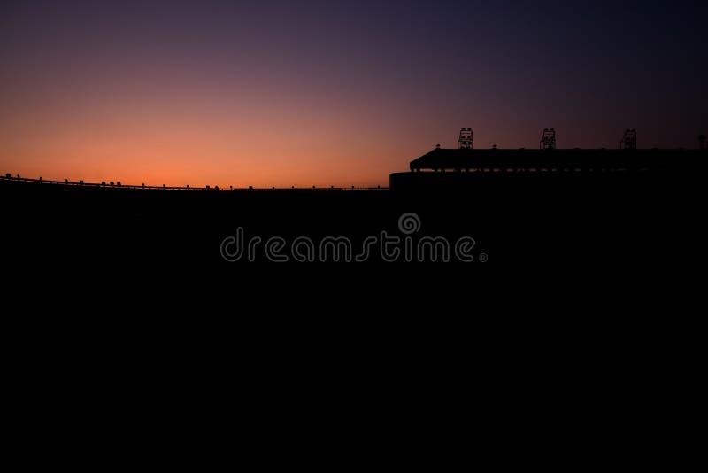 Silhouette футбольный стадион в twilight времени без кто-нибудь, нет стоковое изображение