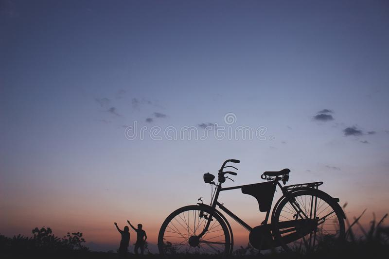Silhouette Of Commuter Bike Free Public Domain Cc0 Image