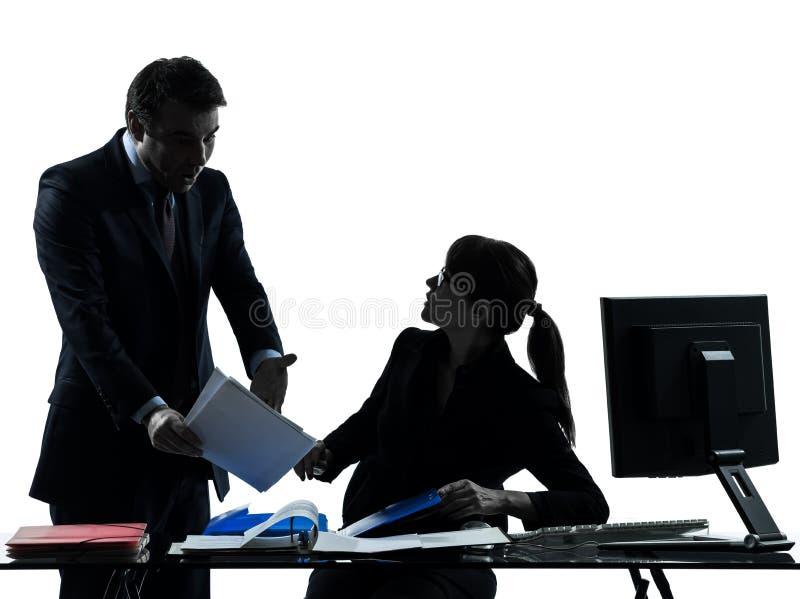 Silhouette de conflit de conflit de couples d'homme de femme d'affaires photo libre de droits