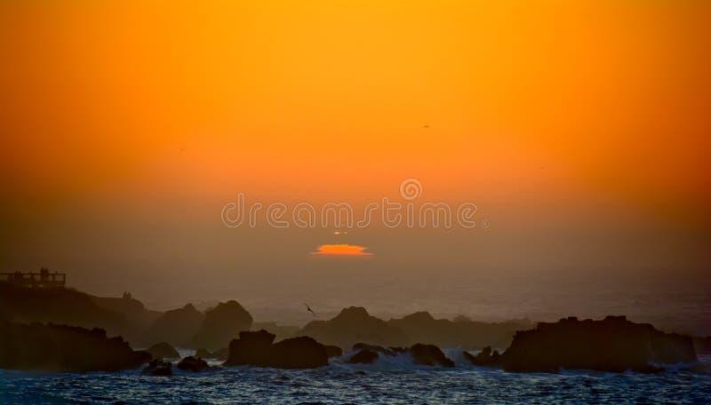 Silhouette de coucher du soleil de Mendocino images stock
